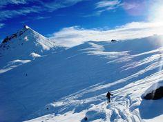 Con l'articolo di oggi andiamo in Valtournenche in Valle d'Aosta per la salita alla Punta Fontana Fredda (2512 m) dal parcheggio sotto Cheneil. La salita prensentata oggi si può svolger…