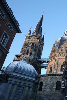 Aachen ist auch im Winter ein beliebtes Ausflugsziel in Deinem NRW. Der Weihnachtsmarkt rund um den Aachener Dom ist besonders romantisch. #deinnrw ©️ A. Steindl_ats