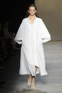 11 Narciso Rodriguez Spring 2016 Ready-to-Wear Fashion Show