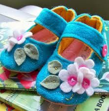 Idea for decorating the felt baby shoe pattern I have, instead of the embroidery