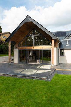 Overhang on contemporary timber framed house. Building your own home and the cost of building a house. Building a house ideas. Helen Burgess & Tom McPhail self-build project with Potton . Bungalow Extensions, House Extensions, Build Your Own House, Build Your Dream Home, Home Building Design, Building A House, Design Your Dream House, House Design, House Extension Design