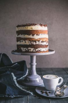 This Tiramisu Crunch Cake has layers of vanilla cake, espresso syrup, mascarpone frosting and a cocoa crumble plus how to enter the Lancewood Cake-Off! Chocolate Crunch, Chocolate Chip Recipes, Mint Chocolate Chips, Chocolate Desserts, Cakes To Make, How To Make Cake, No Cook Desserts, Summer Desserts, Just Desserts