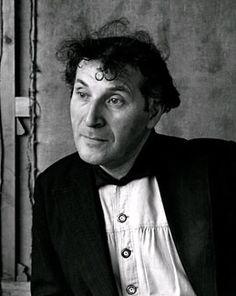 Изображение со страницы http://www.weinstein.com/artists/marc-chagall/images/marc-chagall-photo.jpg.
