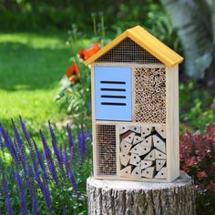 Attract the good bugs! Better Gardens Deluxe Beneficial Insect House (Model# CWH8)