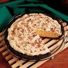 Diabetic Low-Carb Peanut Butter Pie by Jessica. I would make this without the crust, and add full-fat cream cheese to lower the carbs. Diabetic Desserts, Sugar Free Desserts, Diabetic Recipes, Just Desserts, Low Carb Recipes, Delicious Desserts, Cooking Recipes, Yummy Food, Diabetic Snacks