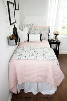 Blush and grey flamingo dorm bedding and dorm room decor. Shop this year's hottest dorm room trends. Get inspired with our college dorm room ideas and. Small Room Bedroom, Bedroom Decor, Small Rooms, Bedroom Ideas, Girls Bedroom, College Living Rooms, Dorm Bedding Sets, Dorm Room Designs, Cute Room Decor