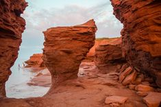 21 Incredible Photos of Prince Edward Island That Will Ignite Your Wanderlust Lanai Island, Island Beach, Pei Canada, Canada Eh, Oh The Places You'll Go, Places To Visit, East Coast Canada, Best Island Vacation, Famous Places In France