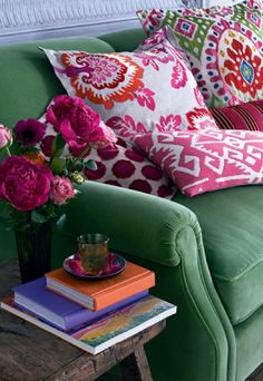 A Kelly green couch would look great in all four seasons! Spring Summer Fall & Winter!