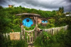 Hobbit Hole by Daniel Peckham, via Flickr