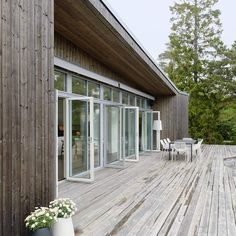 Modern Cabin by Architects: Claesson Koivisto Rune Modern Cottage, Small Buildings, Forest House, Cabins In The Woods, Coastal Homes, My House, Building A House, New Homes, Exterior