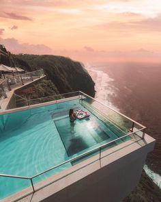 Infinity pool at theedgebali Bali Indonesia Photrld 1 Infinity Pools, Wonderful Places, Beautiful Places, Beautiful Ocean, Interior Exterior, Interior Design, Hotels And Resorts, Luxury Hotels, Luxury Travel