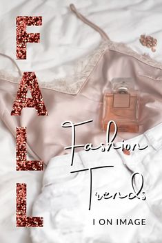 AW20 Best Fashion Trends: 1. Knitwear 2. Statement Collars 3. Bohemian Chic 4. Quilted Coats 5. Co-ordinated Sets 6. Head-To-Toe Black 7. 90's Minimalism 8. Face Masks #fallfashion #autumnfashion #falltrends #personalstylist #fashiontrends Winter Wardrobe Essentials, Wardrobe Basics, Winter Fashion Outfits, Fall Outfits, Autumn Fashion, Fashion Tips For Women, Fashion Advice, Quilted Coats, Cold Weather Outfits
