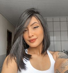35 Awesome Cool Short Hairstyles for Women in 2020 - Page 4 of 35 - Lead Hairstyles Medium Hair Cuts, Short Hair Cuts, Medium Hair Styles, Curly Hair Styles, Grey Hair Inspiration, Gray Hair Highlights, Hairstyles Haircuts, Balayage Hair, Hair Looks