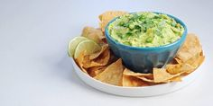 There are infinite ways to prepare guacamole, but chefs and our favorite food personalities know best. Chefs, How To Make Guacamole, Healthy Superbowl Snacks, Guacamole Recipe, Appetizers For Party, Party Snacks, Healthy Options, Quick Easy Meals, Nachos