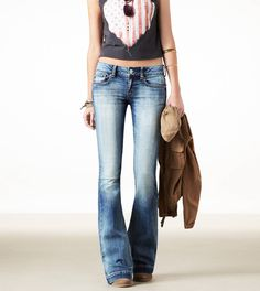 Love these flare jeans!!! Wish companies still made them.... how the hell did skinny jeans take over?!?!