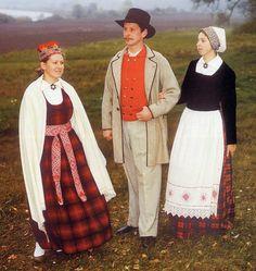 Lielvārdes tautas tērpi