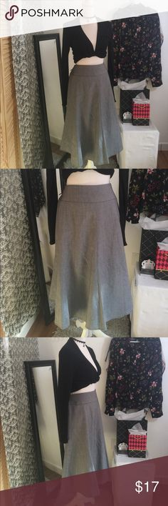 Jones New York Grey Skirt Dry clean only polyester  stretch fabric Jones New York Skirts