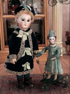 Puppen & Spielzeug Museum: 230 Superb French Bisque Bebe E.J. by Emile Jumeau with Rare All-Wooden Body