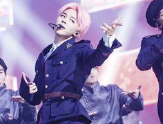 Jimin ❤ BTS At Inkigayo (170226) #BTS #방탄소년단