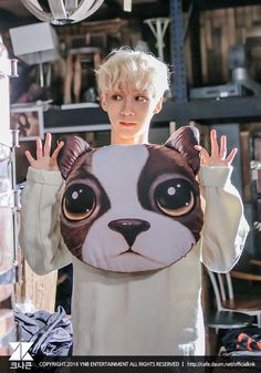 I really love this picture of Jihun. Bless a blonde Kimchi  #KNK #크나큰 #Jihun