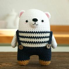 This is a crochet pattern in PDF – NOT the dolls in the picture! *Recommended for those who can understand SYMBOL PATTERNS. (In written pattern it does not have any instruction of changing yarn color.) *Polar bear pattern only. SKILL LEVEL -INTERMEDIATE LANGUAGES -ENGLISH SIZE -15cm