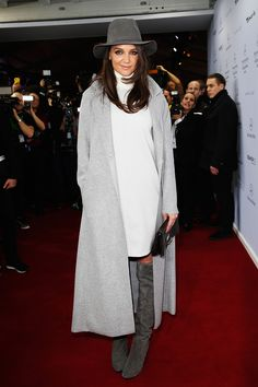 Katie Holmes In the Urban Festival Girl Look – Vogue