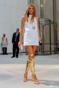 la modella mafia Anna Dello Russo 2013 street style in a little white dress with gold Tom Ford gladiator heels 2 Gladiator Sandals Outfit, Thigh High Sandals, Gladiators, Shoes Sandals, Shift Dresses, Chunky Heels Outfit, The Dress, Dress Skirt, Shift Dress Pattern