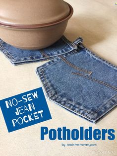No-sew Jean Pocket Potholders Upcycling project! Easy project to get the kids involved too!