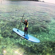 沖縄の海自慢のサンゴ  見てくださいこの透き通った海を 立ったままでも海底のサンゴ達が見えちゃいます  綺麗な海をぷかぷかと浮かんでいたい方はSUPで遊ぼうコースがとっっってもオススメですよ(o) #沖縄 #恩納村 #シーナサーフ #スタンドアップパドルボード #サップ #サップクルージング #珊瑚 #サンゴ #海 #海が好き #綺麗な海見たい #海に行きたい #海賊王に俺はなる #seanasurf #SUP #supclothing #surfing #surfingschool #okinawa  #sea