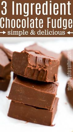 Tasty and easy fudge recipes that will melt in your mouth! These yummy fudge . Easy Chocolate Fudge, Oreo Fudge, Homemade Chocolate, Homemade Fudge Easy, Chocolate Cake, Nutella Fudge, Caramel Fudge, Decadent Chocolate, Chocolate Buttercream