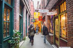 An epic list of awesome things to do in Victoria, Canada, from the top Victoria attractions to more offbeat activies the locals love. Perth, Brisbane, Melbourne, Victoria Canada, Victoria British Columbia, Cairns, Tasmania, Victoria Attractions, Stuff To Do