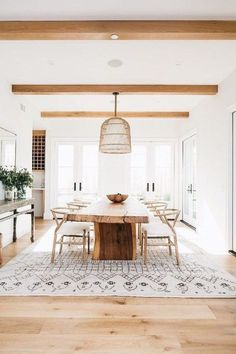 A modern farmhouse dining room might just be the dining room design of your dreams. A farmhouse dining room is a gorgeous dining room design that has a very bright tone. It is a combination of a traditional dining house… Continue Reading → Home Design, Design Ideas, Design Trends, Colour Trends, Design Projects, Key Design, Blog Design, Wood Projects, Sweet Home