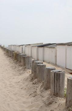 I beach life l Beach Cottages, Beach Huts, Ocean Shores, Summer Dream, Summer Time, I Love The Beach, Am Meer, North Sea, Ciel