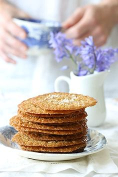 thin caramel coconut crisps, perfect for any occasion. -Deliciously thin caramel coconut crisps, perfect for any occasion. Low Carb Sweets, Low Carb Desserts, Low Carb Recipes, Healthy Recipes, Almond Cookies, Keto Cookies, Mini Cookies, Cookie Recipes, Dessert Recipes