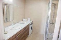 Salle de bain de style de style Classique par ÖZYALÇIN CONSTRUCTION