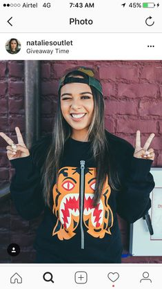 Natalies Outlet, Wallpaper Quotes, Amazing Photography, Youtubers, Diys, Calligraphy, My Love, Celebrities, Drawings
