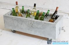 DIY-ify: 10 Outdoor Organization DIY's -- concrete planter or ice chest from an old drawer and foam. Diy Design, Beton Design, Modern Design, Concrete Crafts, Concrete Art, Concrete Design, Outdoor Projects, Garden Projects, Diy Projects