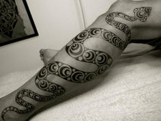 tattoo-leg-tribal-snake.jpg (728×546)