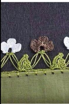 Tığ işi Crochet Unique, Yarn Thread, Needle Lace, Crochet Yarn, Tassels, Diy And Crafts, Hair Accessories, Sewing, Beautiful