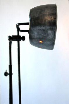 Metal wire lamps on pinterest 166 pins - Lampadaire industriel vintage ...