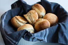 Blixtfrallor / Frukostbullar utan jäst - 56kilo.se - Lågkolhydrat recept, livsstil & inspiration Low Carb Recipes, Baking Recipes, A Food, Food And Drink, Lchf, Scones, Food Inspiration, Brunch, Eat
