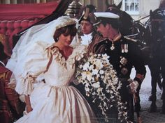 July Lady Diana Spencer marries Prince Charles at St. Paul's Cathedral in London. Princess Diana Rare, Princess Diana Wedding, Royal Princess, Prince And Princess, Princess Wedding Dresses, Charles And Diana Wedding, Prince Charles And Diana, Windsor, Royal Wedding Gowns