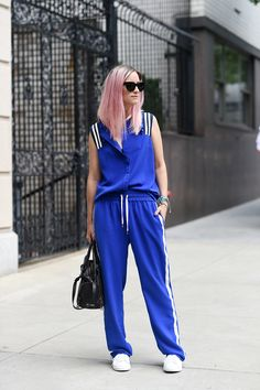 When I got this tracksuit straight from the Baum und Pferdgarten catwalk my hair wasn't pink. Athletic Style, Athletic Fashion, Hair Inspiration, Fashion Inspiration, Body Challenge, Ss 15, Casual Looks, Catwalk, Tennis