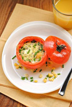 An easy, healthy breakfast: Baked Eggs in Tomato Cups: 139 cals/tomato cup
