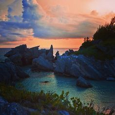 Because of its rocky shoreline, Bermuda has many gorgeous coves and swimming holes!
