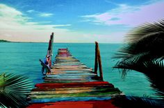 We love the vibrant colors of this boardwalk in Fort Lauderdale, Florida