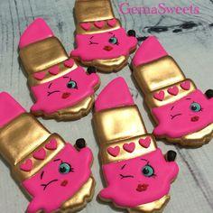 Shopkins Lippy Lips cookies by Gema Sweets.
