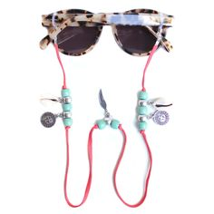 Sunnycords® are modern eyewear chains for your sunglasses. The Sunnycord® is a fashionable lanyard for holding any kind of eyewear. Initially designed to never lose you glasses or reading glasses again. Shop your sunglass straps now online! Cute Sunglasses, Sunglasses Women, Sunglasses Holder, I Love Jewelry, Jewelry Making, Beaded Jewelry Designs, Eyeglass Holder, Sunglass Frames, Eyeglasses