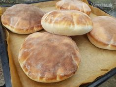 Pita chlieb (fotorecept) - recept   Varecha.sk Bread Recipes, Baking Recipes, Good Food, Yummy Food, Bread And Pastries, Arabic Food, How Sweet Eats, Bread Baking, Street Food