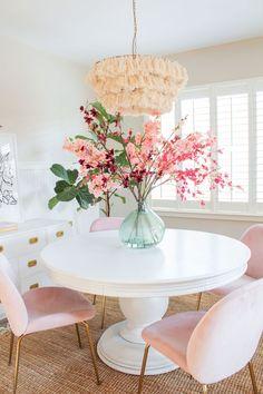 Fake Flowers Decor, Fake Flower Arrangements, Flower Decorations, Home Interior Design, Interior Decorating, Living Room Decor, Bedroom Decor, Home And Deco, Dining Room Design